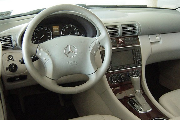 dalazernet 2006 mercedes benz c class specs photos modification info at cardomain. Black Bedroom Furniture Sets. Home Design Ideas