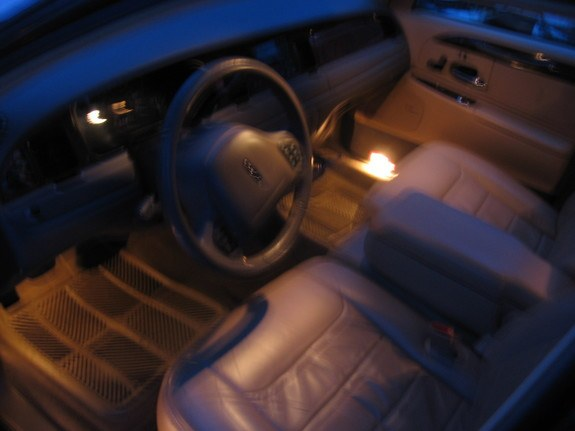 Another free_trojans 1998 Lincoln Town Car post... - 8448750