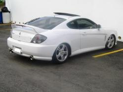 white_tuscanis 2004 Hyundai Tiburon