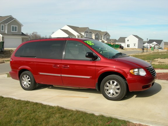 inferno red 2005 chrysler town country specs photos modification info at cardomain. Black Bedroom Furniture Sets. Home Design Ideas