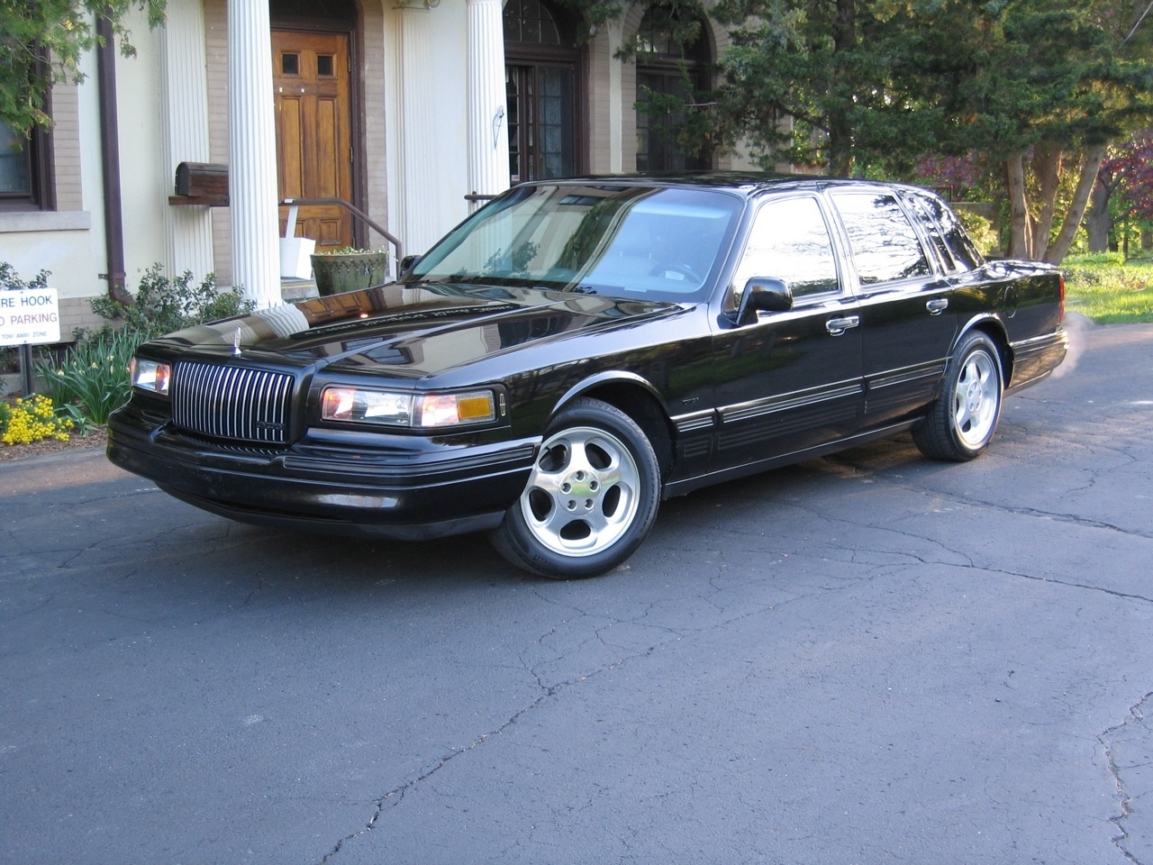 Darthlincoln 1996 Lincoln Town Car Specs Photos Modification Info