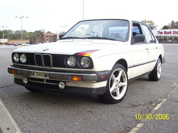 whitebimmer87 1987 BMW 3 Series 8583052