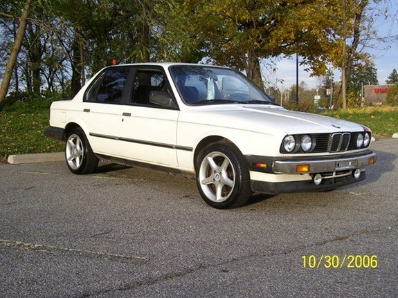 whitebimmer87 1987 BMW 3 Series 8583054