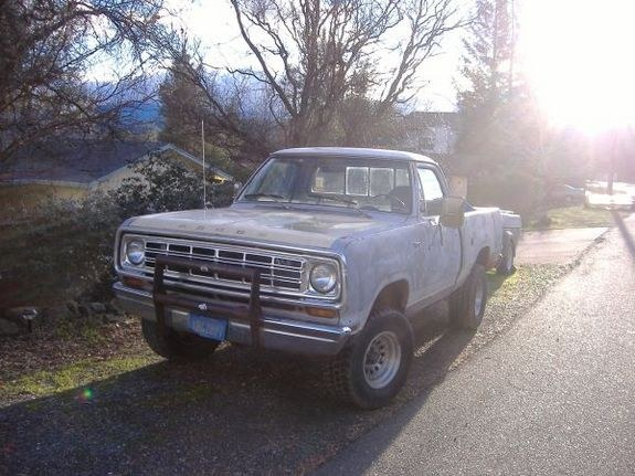 Russell1987's 1975 Dodge Power Wagon