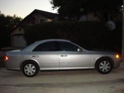 HeadTurna210 2005 Lincoln LS
