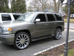 2006E55AMGs 2005 GMC Yukon
