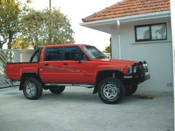 Another luxie 1998 Toyota HiLux post... - 8658825