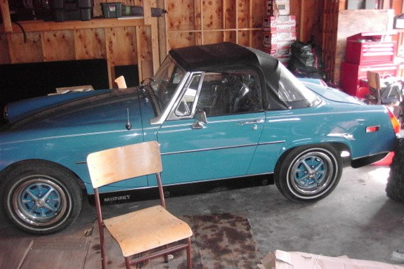 Another 1991hiluxsurf 1979 MG Midget post... - 8673631