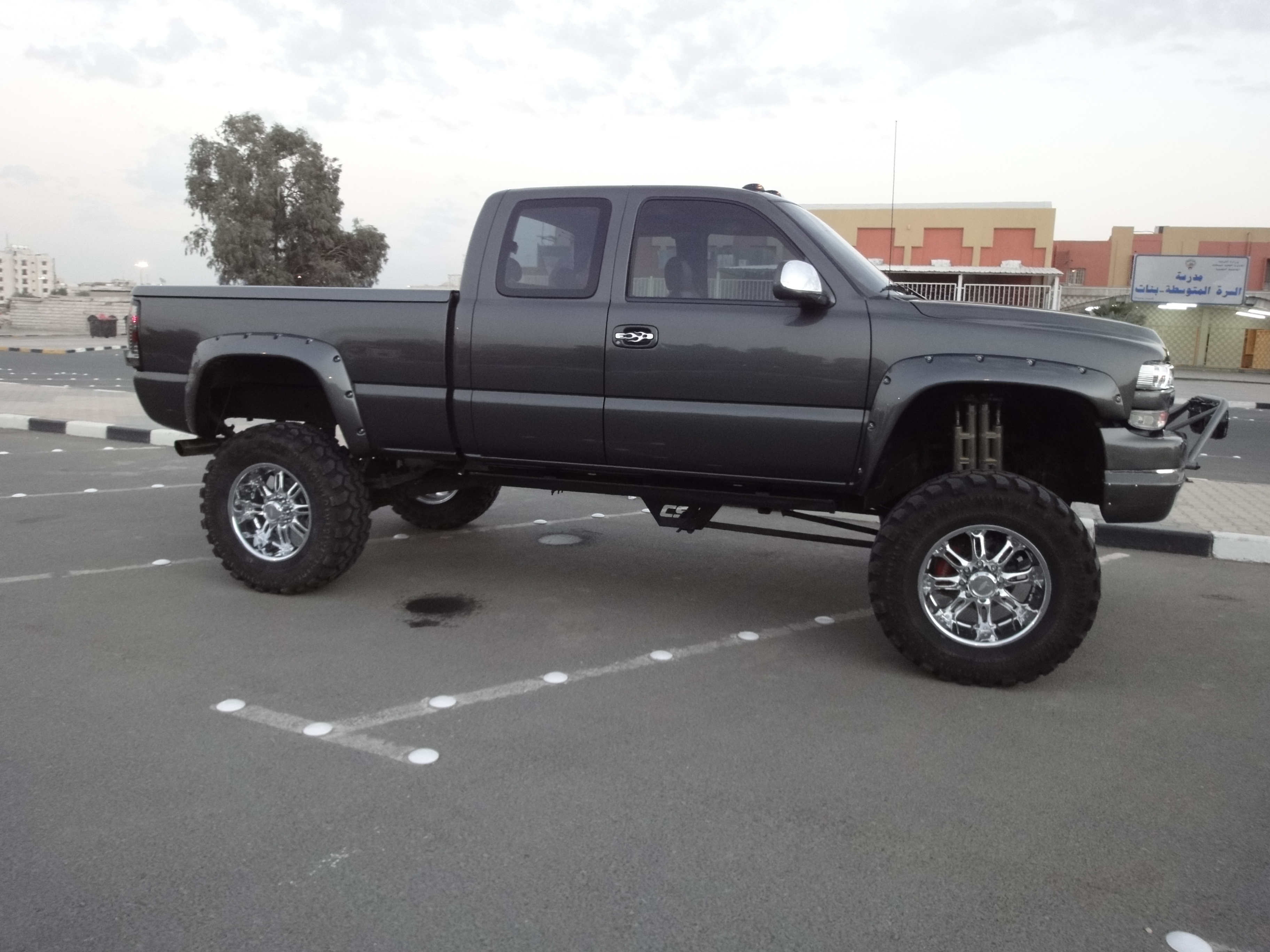 Angolosfilm Lifted 2002 White Silverado Images Jacked Up Chevy Trucks 2016