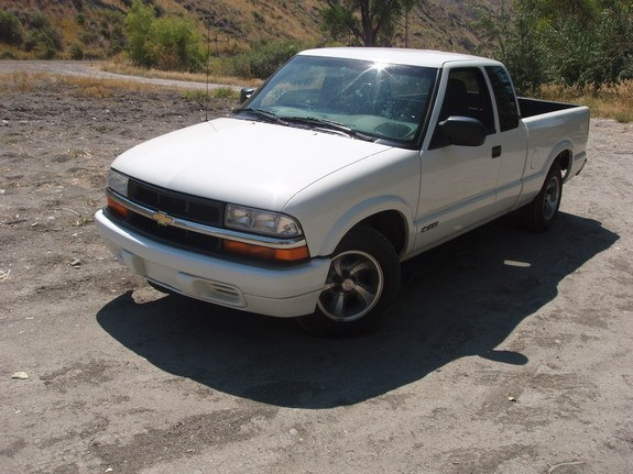 Another WllRunWires4Food 2000 Chevrolet S10 Regular Cab post... - 8732045