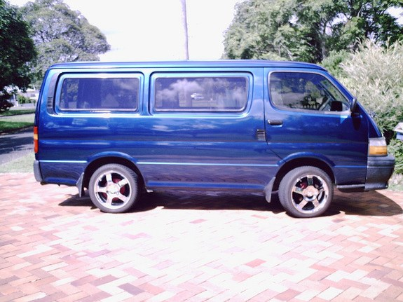Another Snarfty 1990 Toyota HiAce post... - 9694915