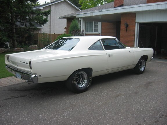 71stringray427 1968 Plymouth Roadrunner 8720235