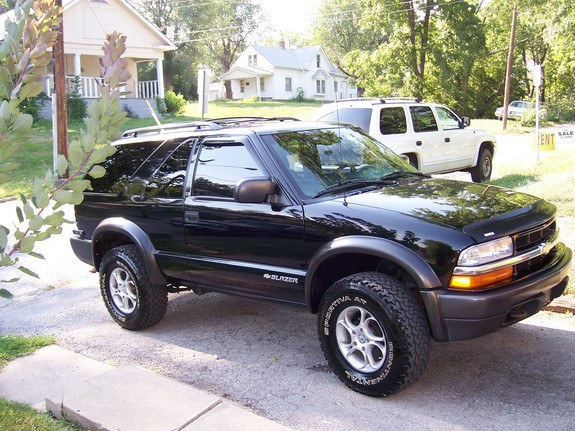 10man 2000 chevrolet s10 blazer specs photos modification info at cardomain. Black Bedroom Furniture Sets. Home Design Ideas