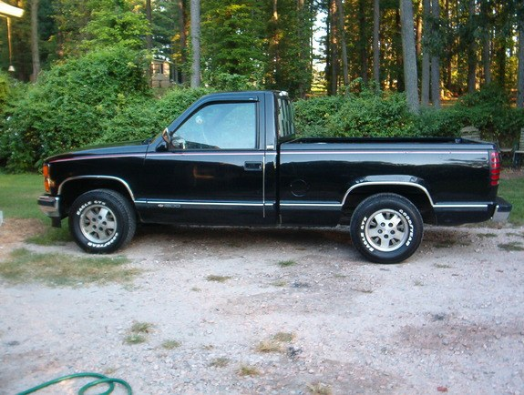 Another b_daddyryhme 1990 Chevrolet C/K Pick-Up post... - 8741332