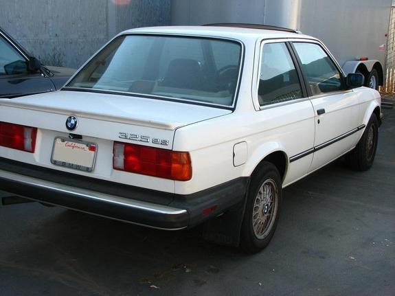 Kiznile 1987 BMW 3 Series 8744059