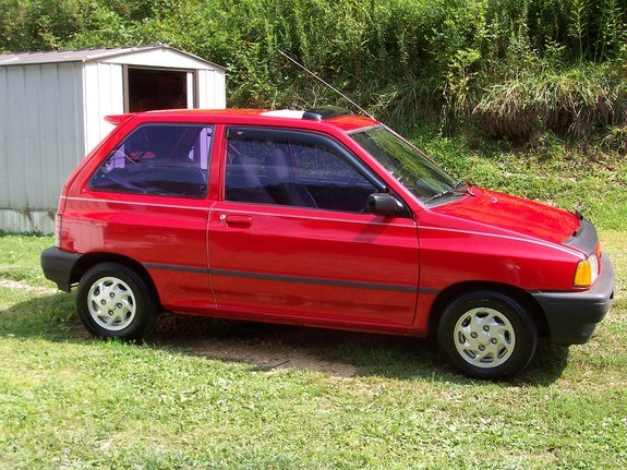 ford festiva how to put taillight cover