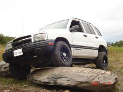 mud_tracky 2003 Chevrolet Tracker