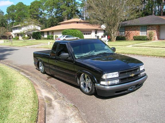 baggedsdizzime 2000 chevrolet s10 regular cab specs photos modification info at cardomain. Black Bedroom Furniture Sets. Home Design Ideas