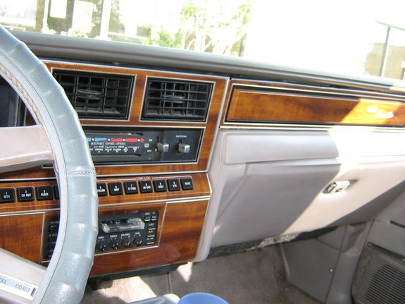 89towncarsig 1989 lincoln town car specs photos modification info at cardomain. Black Bedroom Furniture Sets. Home Design Ideas