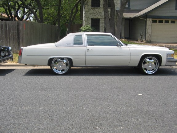 84lacyadig 1977 Cadillac DeVille Specs, Photos, Modification Info at