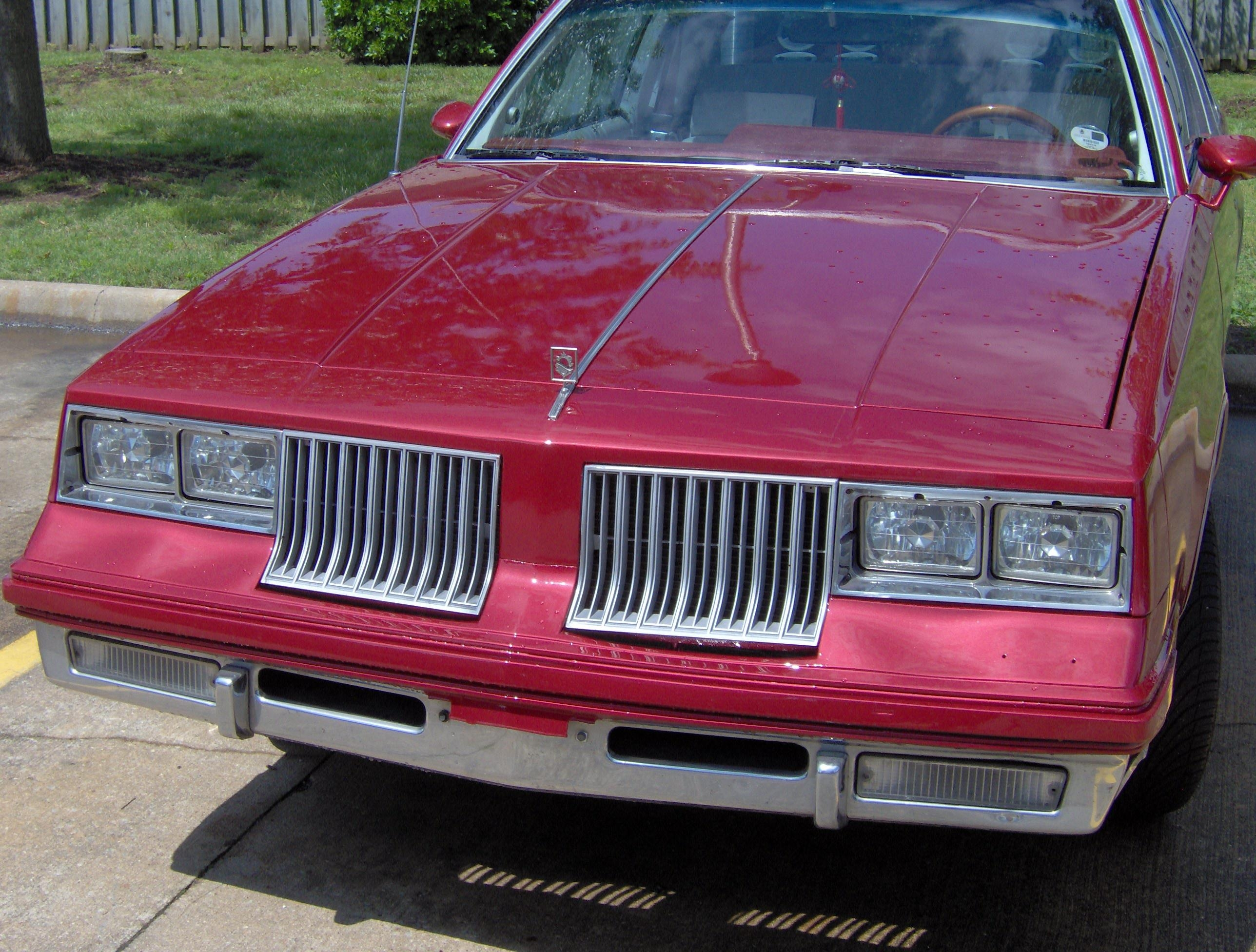 Mr_Nice_Guy 1984 Oldsmobile Cutlass Supreme 8825378