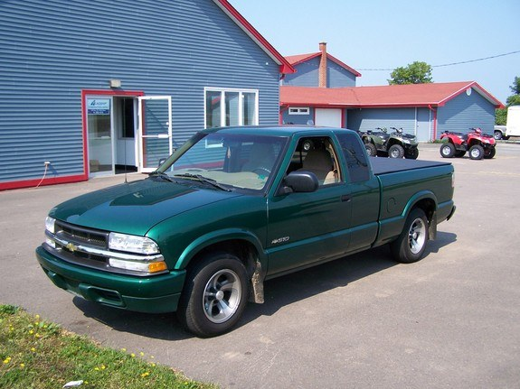 rolla4ever 2000 chevrolet s10 regular cab specs photos modification info at cardomain. Black Bedroom Furniture Sets. Home Design Ideas