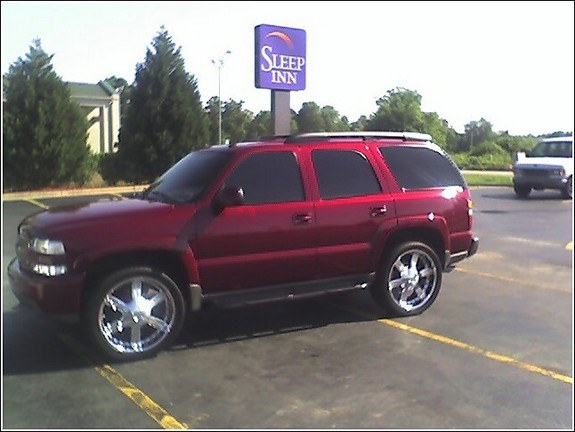camrywit19s 2005 chevrolet tahoe specs photos modification info at cardomain. Black Bedroom Furniture Sets. Home Design Ideas