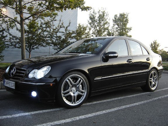 rlee02135 2004 mercedes benz c class specs photos modification info at cardomain. Black Bedroom Furniture Sets. Home Design Ideas
