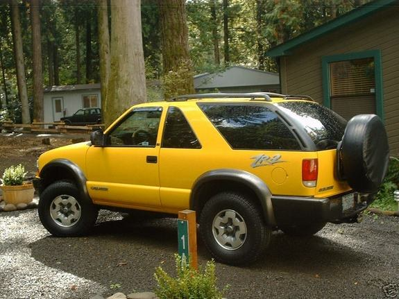 YELLOW-ZR2 2004 Chevrolet Blazer