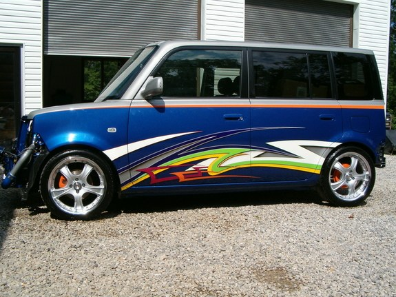 shiney536 2005 Scion XB
