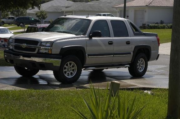 avalanchestephen 2004 chevrolet avalanche specs photos modification info at cardomain. Black Bedroom Furniture Sets. Home Design Ideas