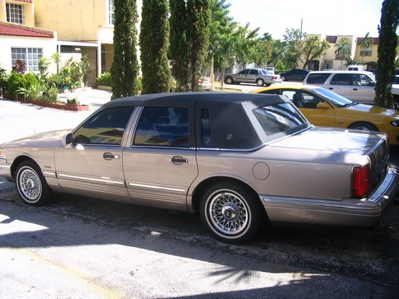 Another Rollinx151 1997 Lincoln Town Car Post 6007775 By Rollinx151