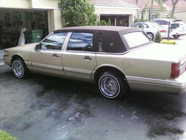 1997+lincoln+town+car+lowrider