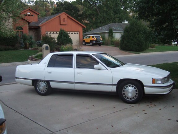 Another skysofdarkness 1996 Cadillac DeVille post   1498826