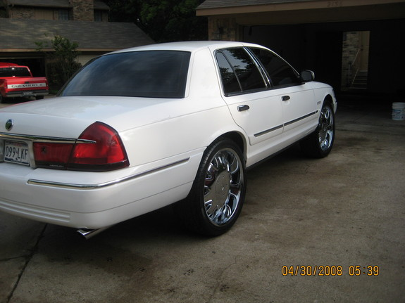 mrwyatt26 2000 Mercury Grand Marquis 9009848