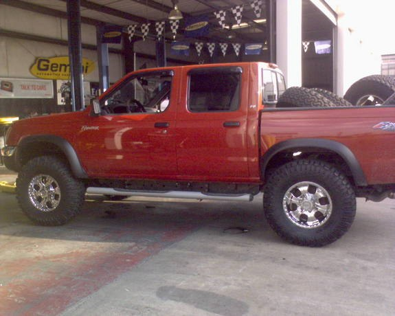paknowsalmostall 2000 nissan frontier regular cab specs photos modification info at cardomain. Black Bedroom Furniture Sets. Home Design Ideas