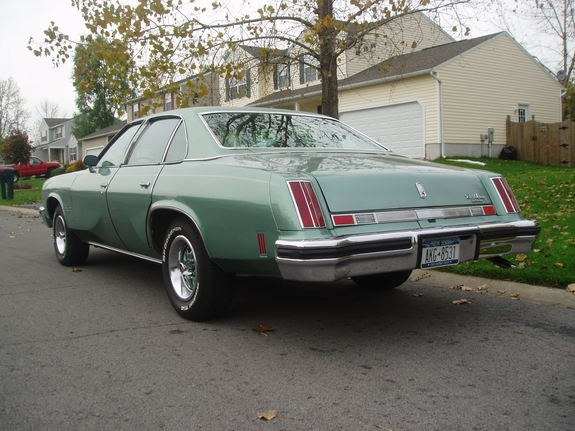Another damaged442 1977 Oldsmobile Cutlass Supreme post... - 9031405