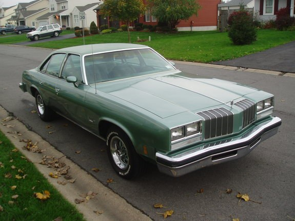 Another damaged442 1977 Oldsmobile Cutlass Supreme post... - 9031406