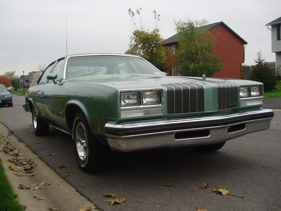 Another damaged442 1977 Oldsmobile Cutlass Supreme post... - 9031413