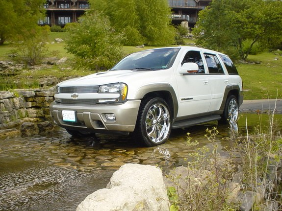 Another whatahottie 2003 Chevrolet TrailBlazer post... - 9043658