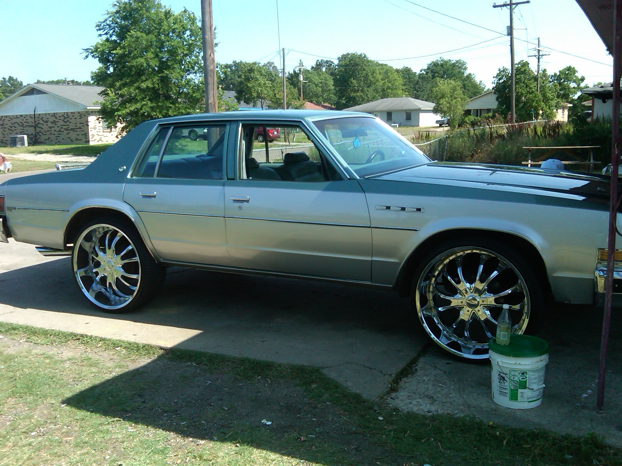 Another CHAMILLI 2000 Mercury Grand Marquis post... - 9057150