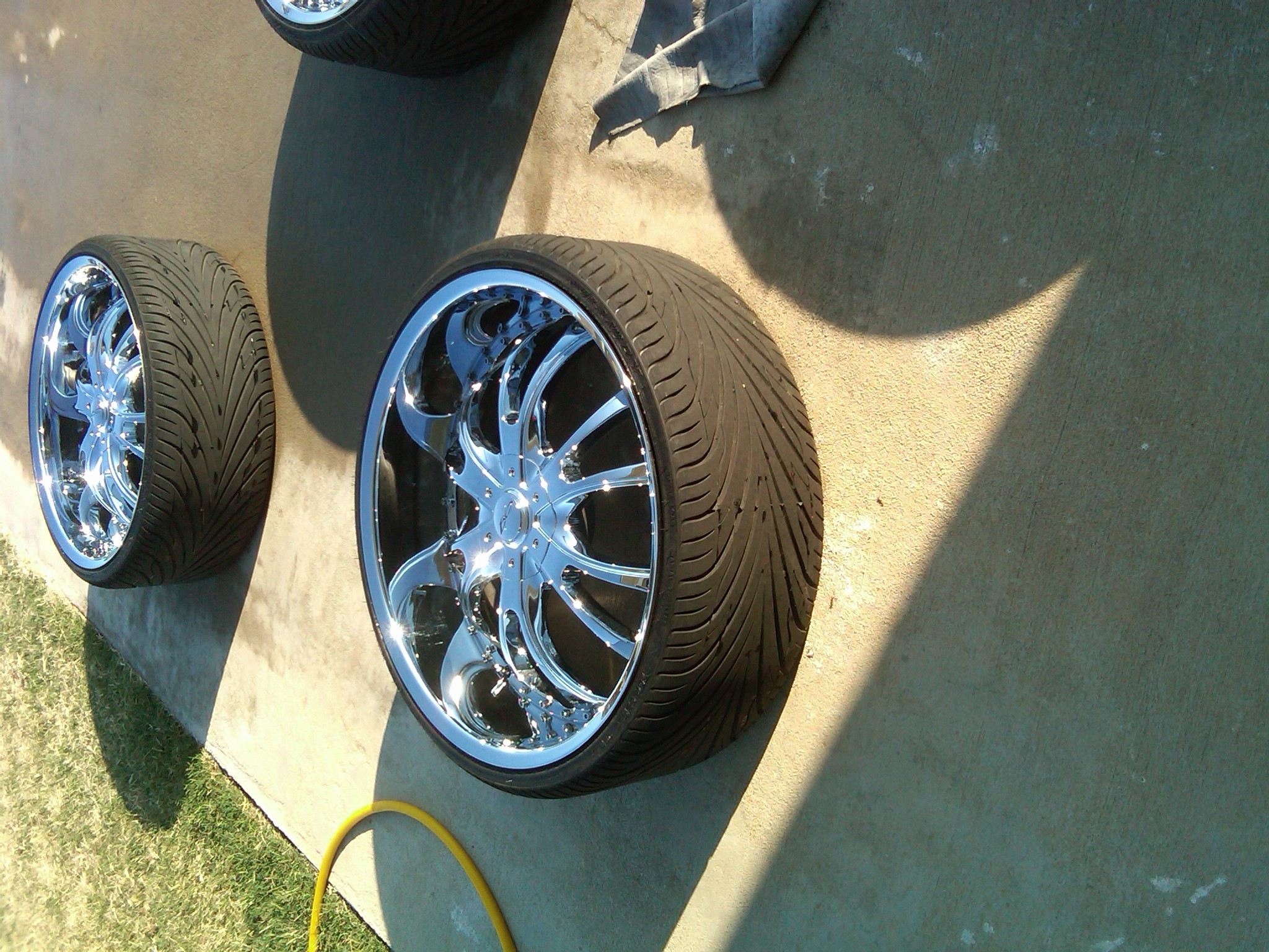 Another CHAMILLI 2000 Mercury Grand Marquis post... - 9057153