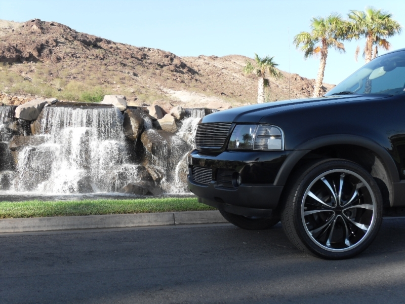 Yunggprince 2003 Ford Explorer