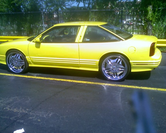 YellowCutlass 1995 Oldsmobile Cutlass Supreme 9378063