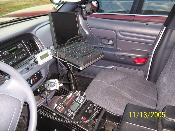 Another Turbop71 2001 Ford Crown Victoria post... - 6386077