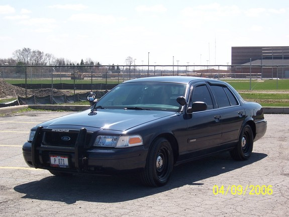 Turbop71 2001 Ford Crown Victoria