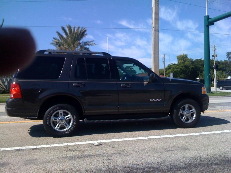 mrrisk22 2005 Ford Explorer 9092235