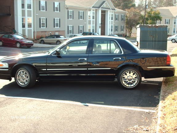 YoungDre23 2006 Mercury Grand Marquis