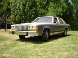 Elegant68 1984 Ford LTD Crown Victoria