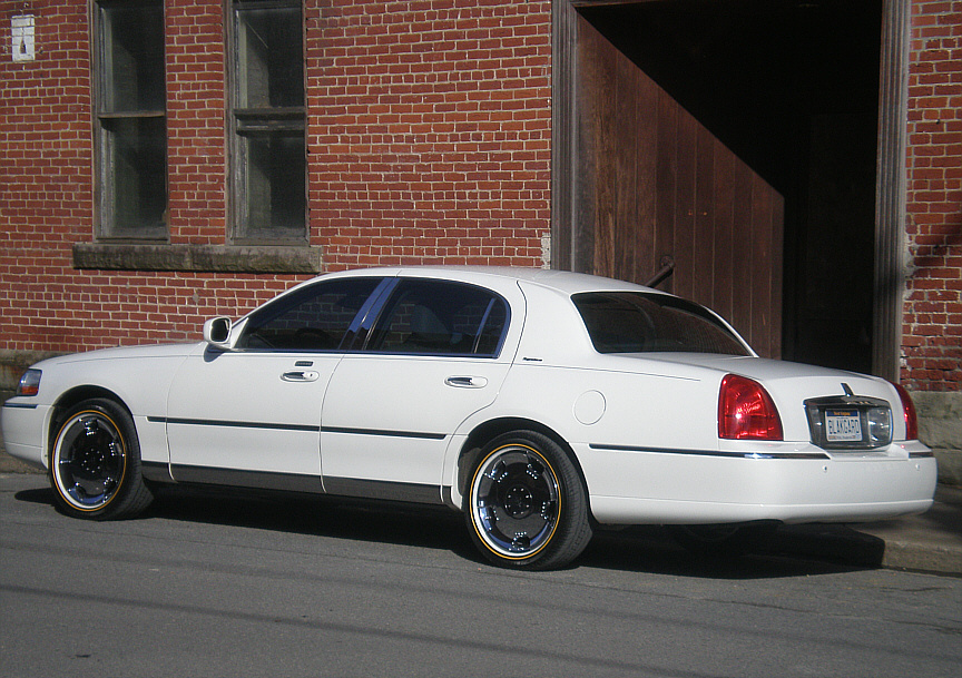 Towncar302 2005 Lincoln Town Car Specs Photos Modification Info At